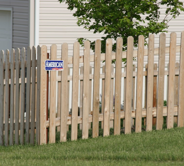 American Fence - Lincoln - Wood Fencing, 1004 4' picket