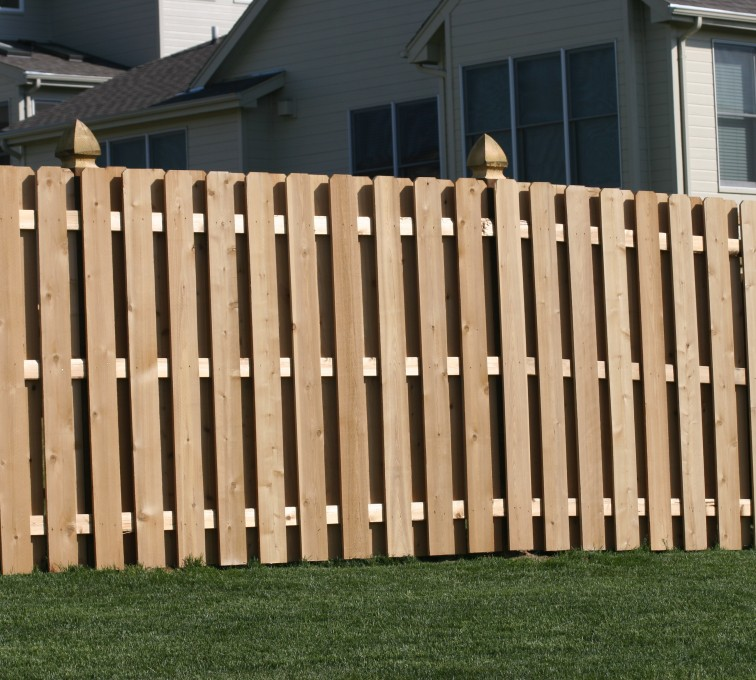 American Fence - Lincoln - Wood Fencing, 1007 6' board on board