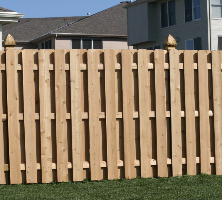 American Fence - Lincoln - Wood Fencing, 1008 6' board on board