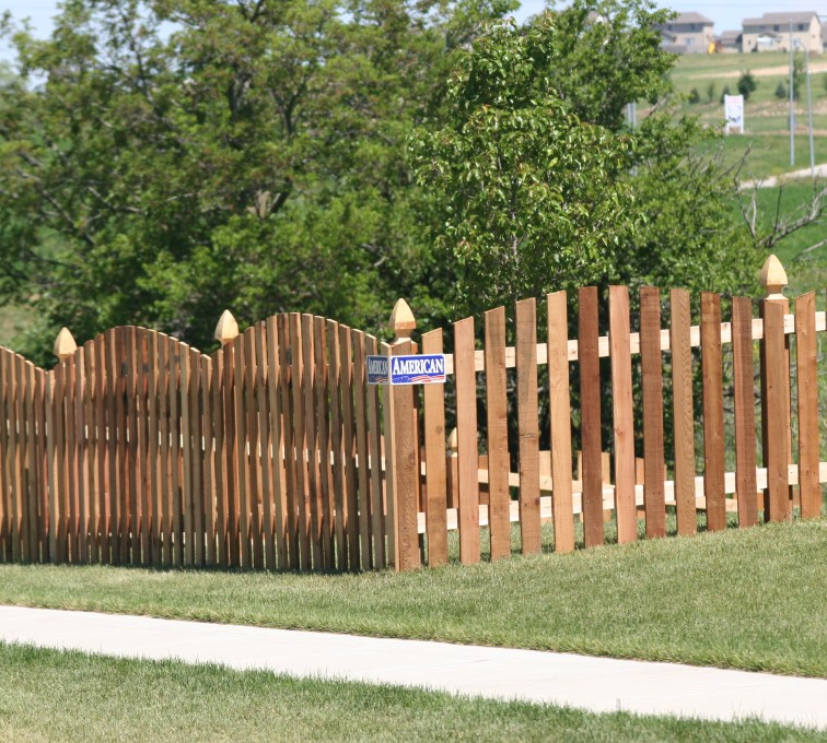 American Fence - Lincoln - Wood Fencing, 1024 4' overscallop picket