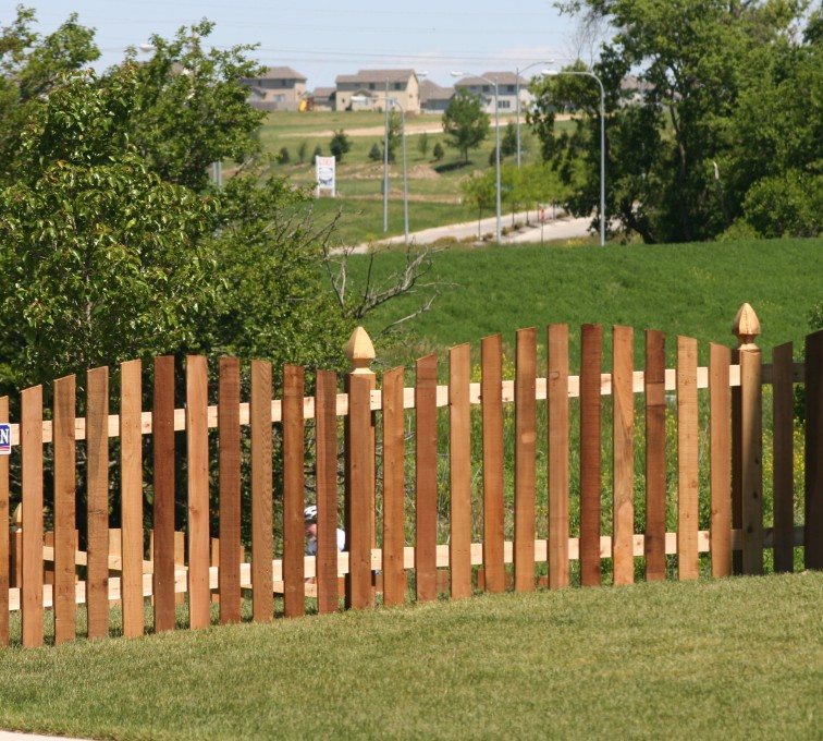 American Fence - Lincoln - Wood Fencing, 1025 4' Overscallop Picket