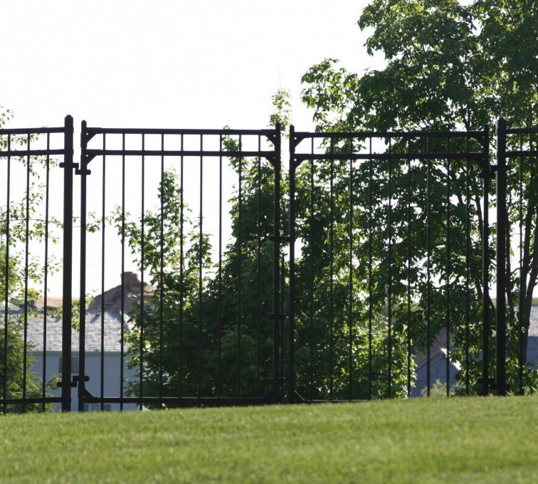 American Fence - Lincoln - Ornamental Fencing, 1063 6' Flat Top 3 rail double drive gate