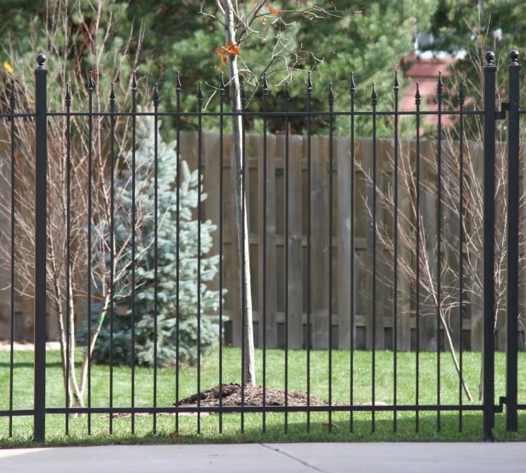 American Fence - Lincoln - Custom Iron Gate Fencing,1202 Alternating Picket Ornamental Iron Photo