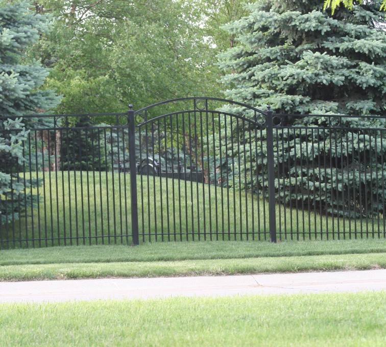American Fence - Lincoln - Custom Iron Gate Fencing, 1211 Overscallop panel with rings