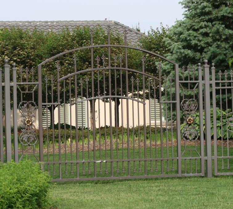 American Fence - Lincoln - Custom Iron Gate Fencing, 1213 Overscallop panel with scroll work