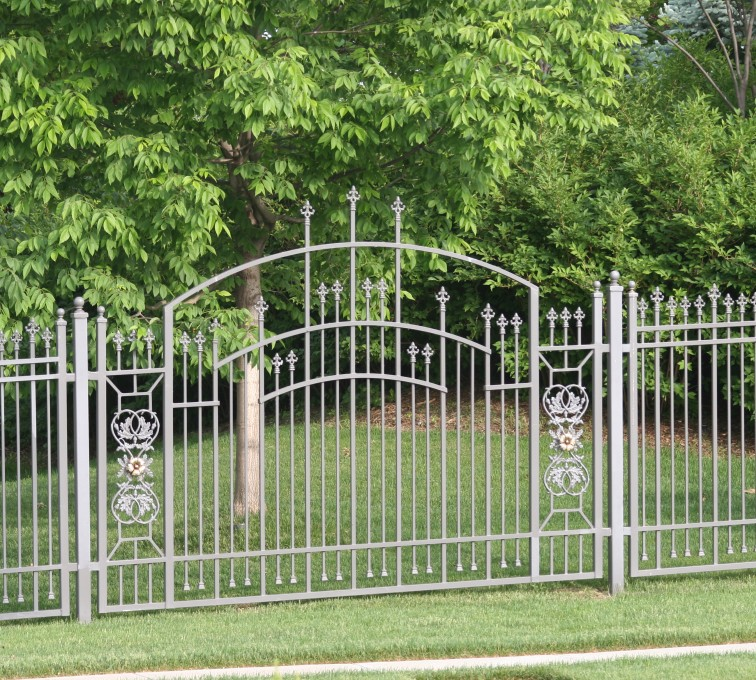 American Fence - Lincoln - Custom Iron Gate Fencing, 1214 Overscallop panel with scroll work