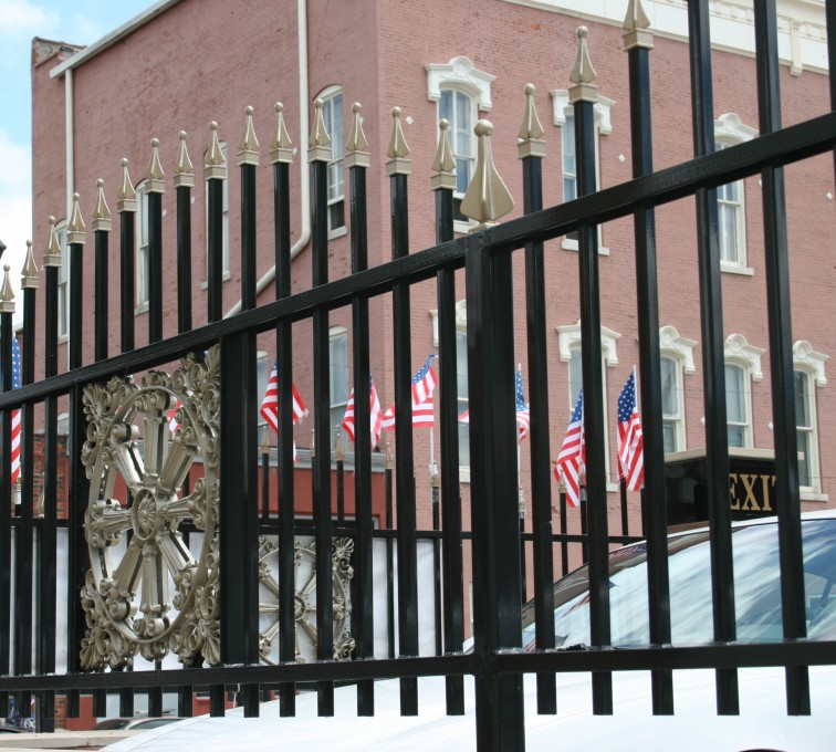 American Fence - Lincoln - Custom Iron Gate Fencing, l1228 Overscallop Ornamental with Quad Flare
