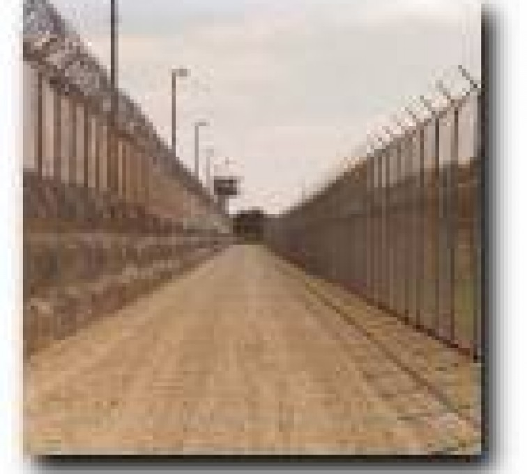 American Fence - Lincoln - High Security Fencing, 2109 Prison Fence Deadman Zone