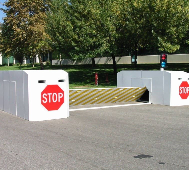 American Fence - Lincoln - K-Rated Vehicle Restraint Systems Fencing, 2112 Mobile Vehicle Barrier
