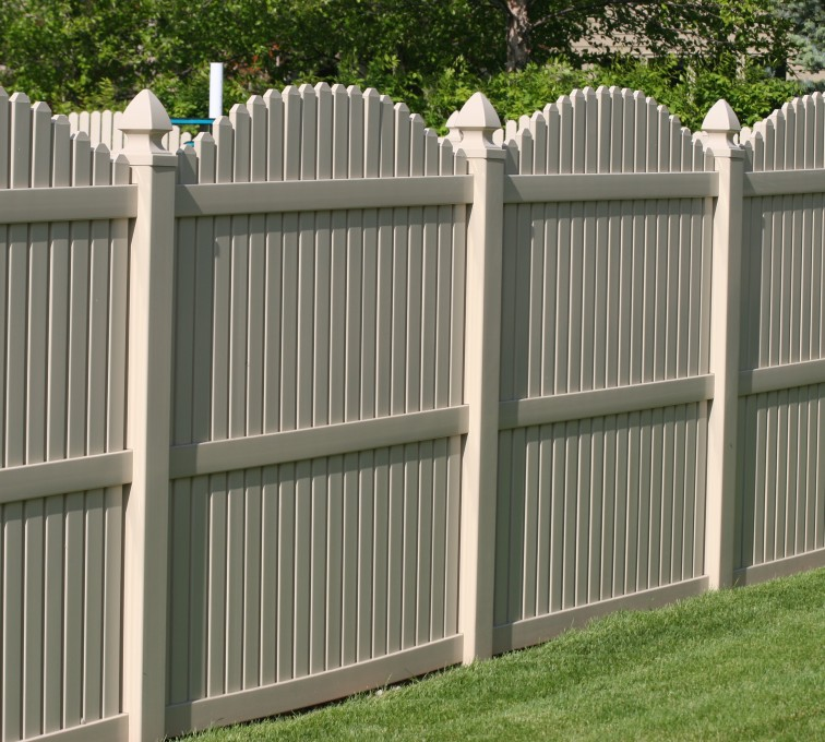 American Fence - Lincoln - Vinyl Fencing, 6' overscallop picket tan 555