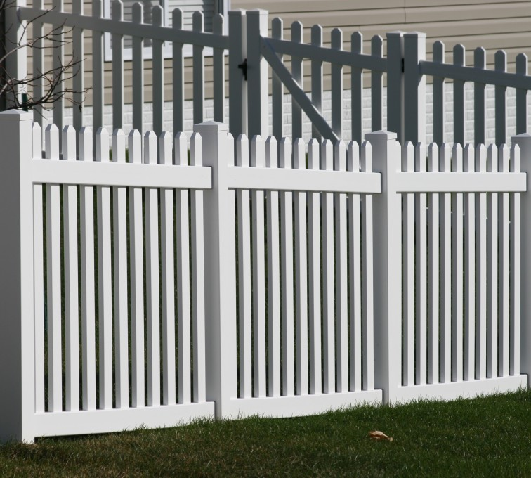 American Fence - Lincoln - Vinyl Fencing, 559 Vinyl 4' picket