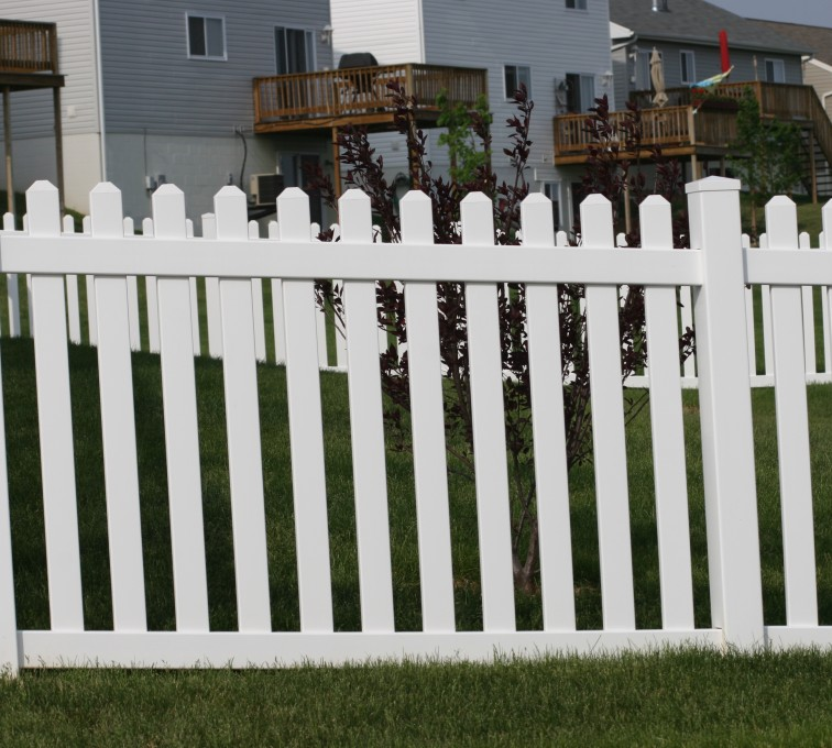 American Fence - Lincoln - Vinyl Fencing, 4' Picket 564