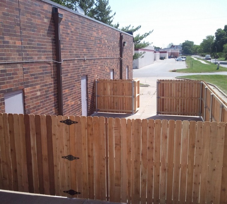 American Fence - Lincoln - Wood Fencing, 6' Solid Wood with Steel Posts - AFC - IA