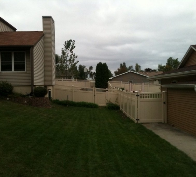 American Fence - Lincoln - Vinyl Fencing, 6' Tan Solid PVC with Accent - AFC - IA