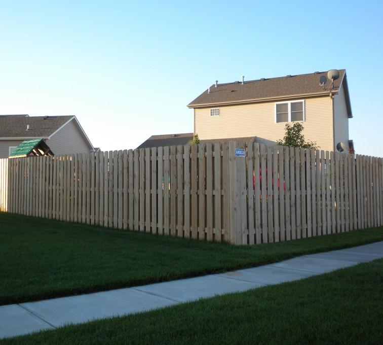 American Fence - Lincoln - Wood Fencing, 6' Wood Board on Board