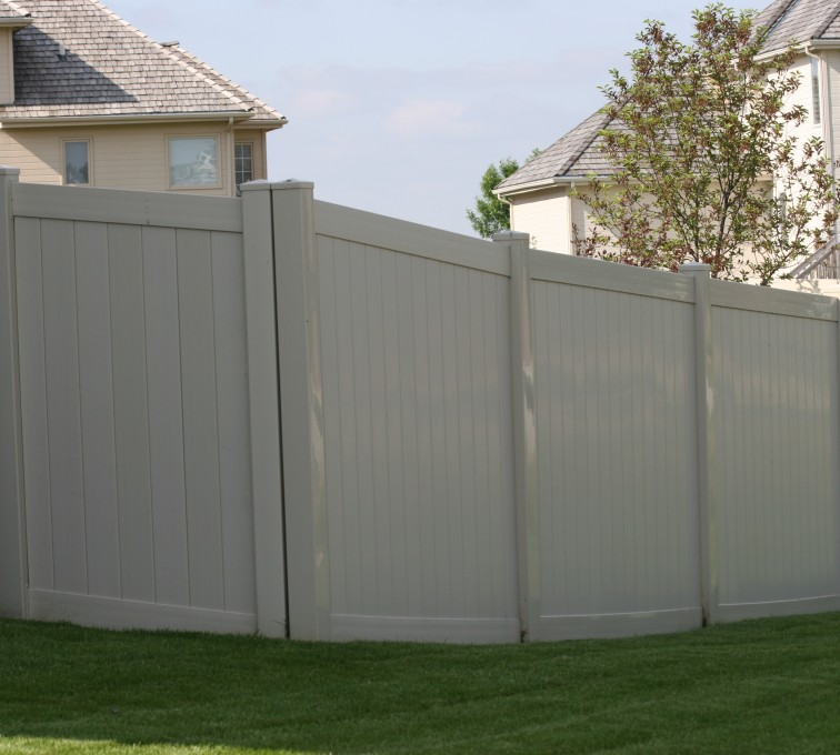 American Fence - Lincoln - Vinyl Fencing, 6' solid privacy tan (620)