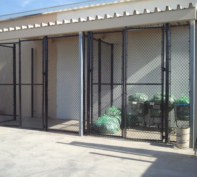 American Fence - Lincoln - Chain Link Fencing, 8' Chain Link Recycling Enclosure - AFC - IA