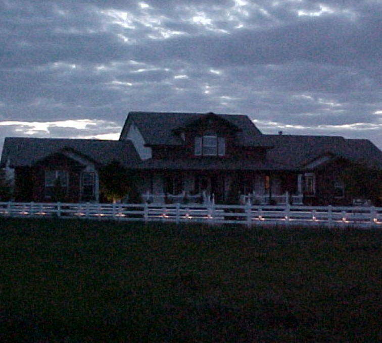 American Fence - Lincoln - Vinyl Fencing, AZ Mortenson Lighted front