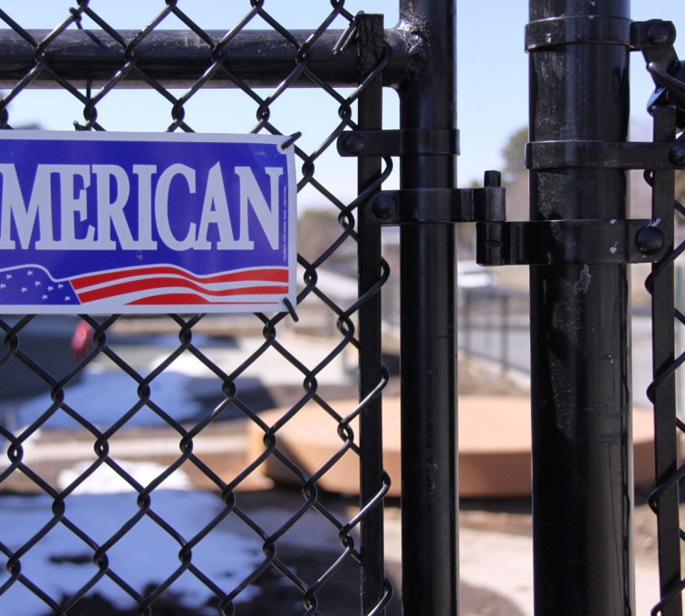 American Fence - Lincoln - Chain Link Fencing, Black Vinyl Chain Link Gate