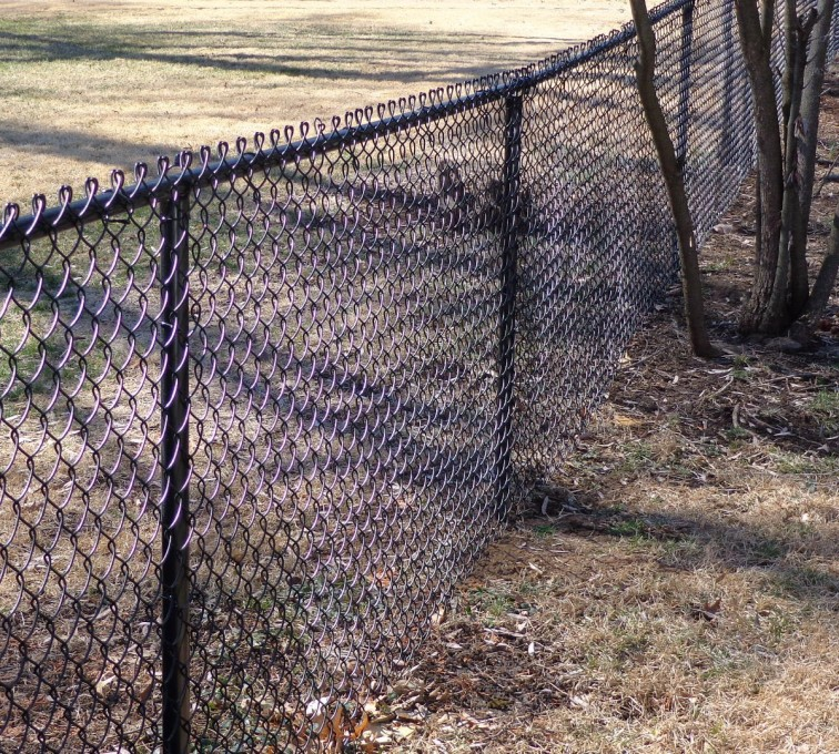 American Fence - Lincoln - Chain Link Fencing, 4' Black Vinyl Chain Link - AFC-KC