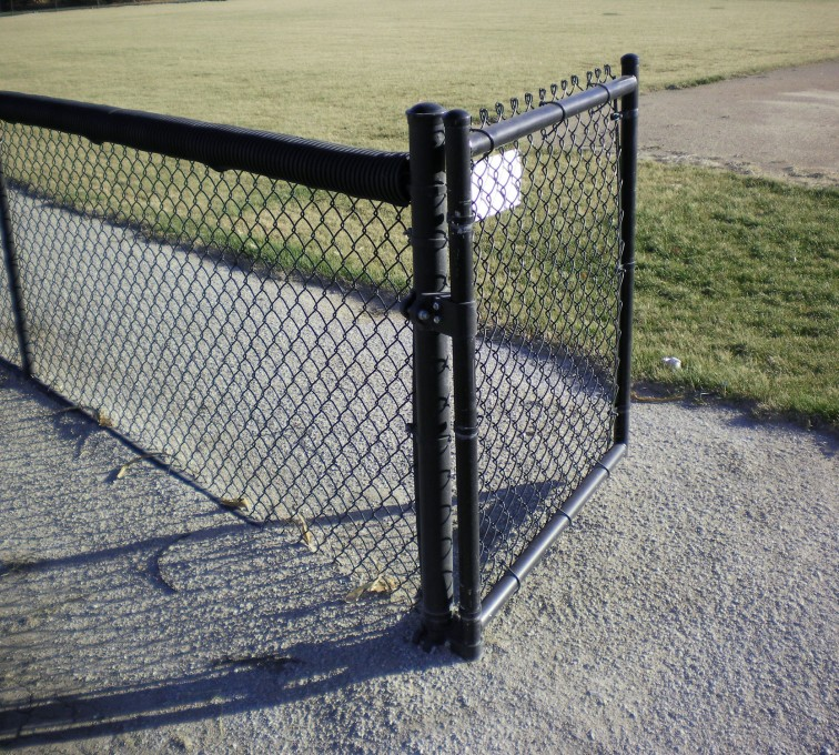 American Fence - Lincoln - Chain Link Fencing, Black Vinyl