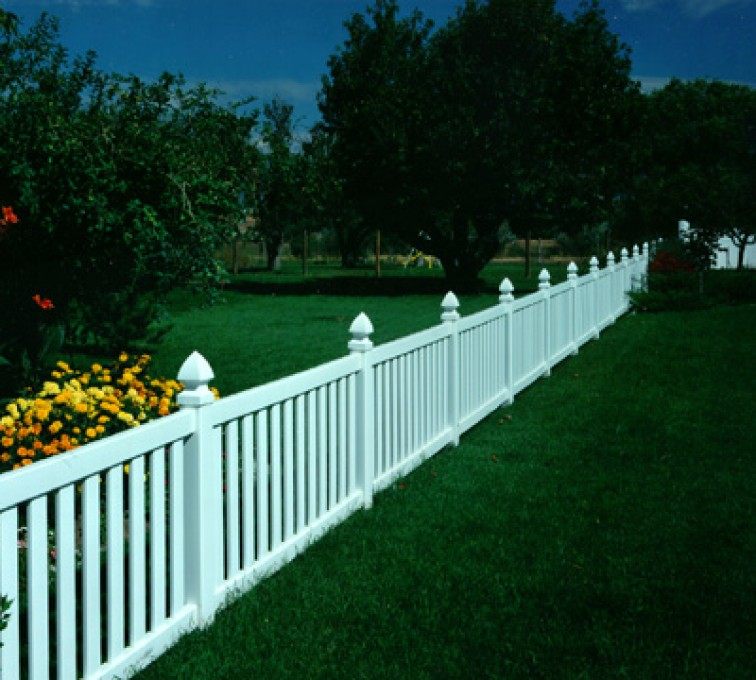 American Fence - Lincoln - Vinyl Fencing, Closed Picket 576