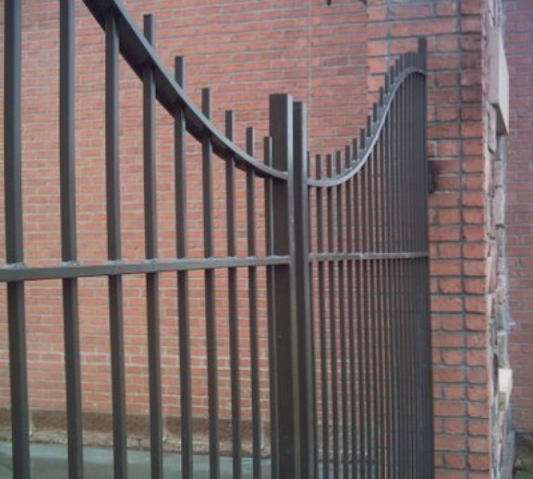 American Fence - Lincoln - Custom Gates, Courtyard Underscallop Estate Gate