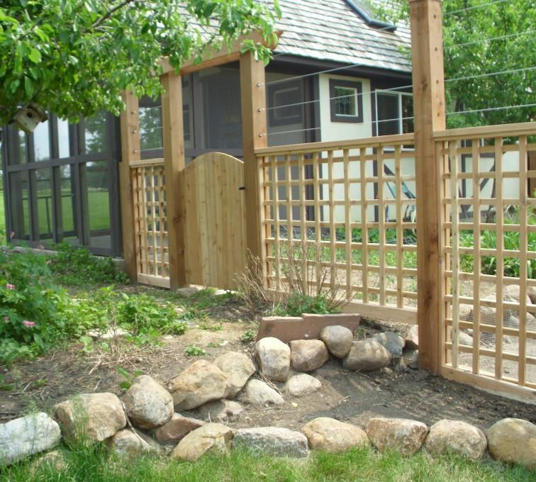 American Fence - Lincoln - Wood Fencing, Custom Garden Fence AFC, SD