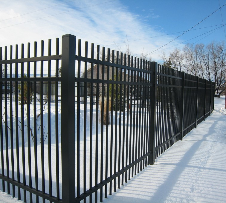 American Fence - Lincoln - American Ornamental Fencing, Alternating Picket