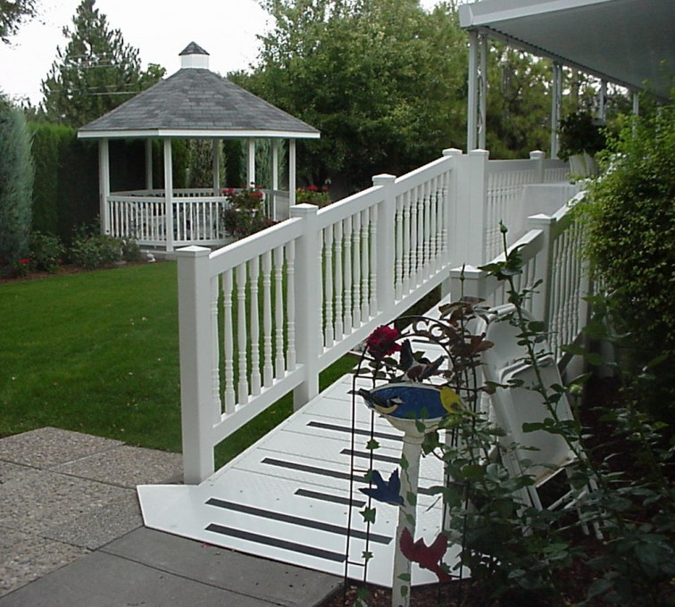 American Fence - Lincoln - Specialty Product Fencing, Gazebo (909)