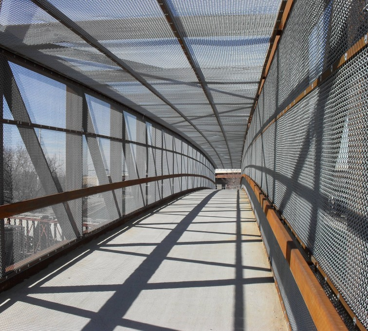 American Fence - Lincoln - Chain Link Fencing, Holdrege Street Bridge Inside