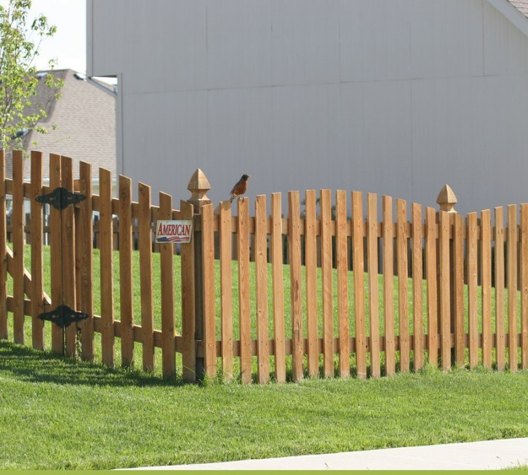 American Fence - Lincoln - Wood Fencing, Overscalloped Picket with French Gothic Posts - AFC -IA