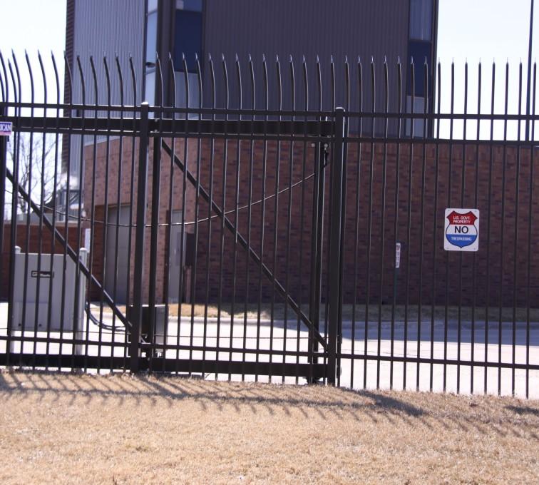 American Fence - Lincoln - Custom Gates, Ornamental Slide Gate (2)
