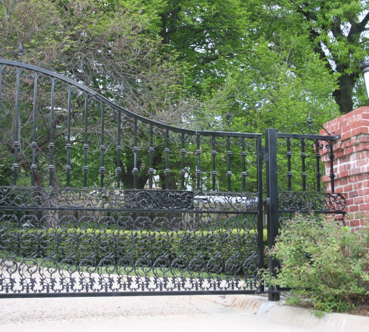 American Fence - Lincoln - Custom Gates,Overscallop Estate Gate with Scroll Accent At Bottom