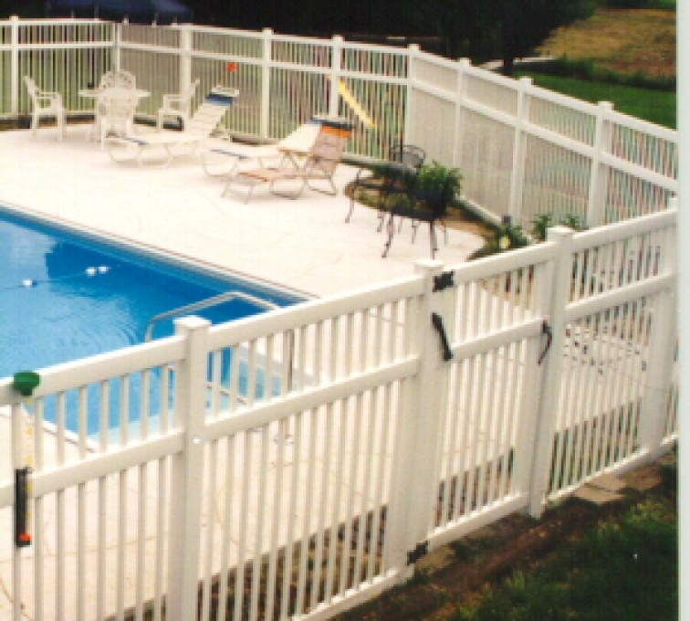 American Fence - Lincoln - Vinyl Fencing, Pool Style Picket with 3 rails 583