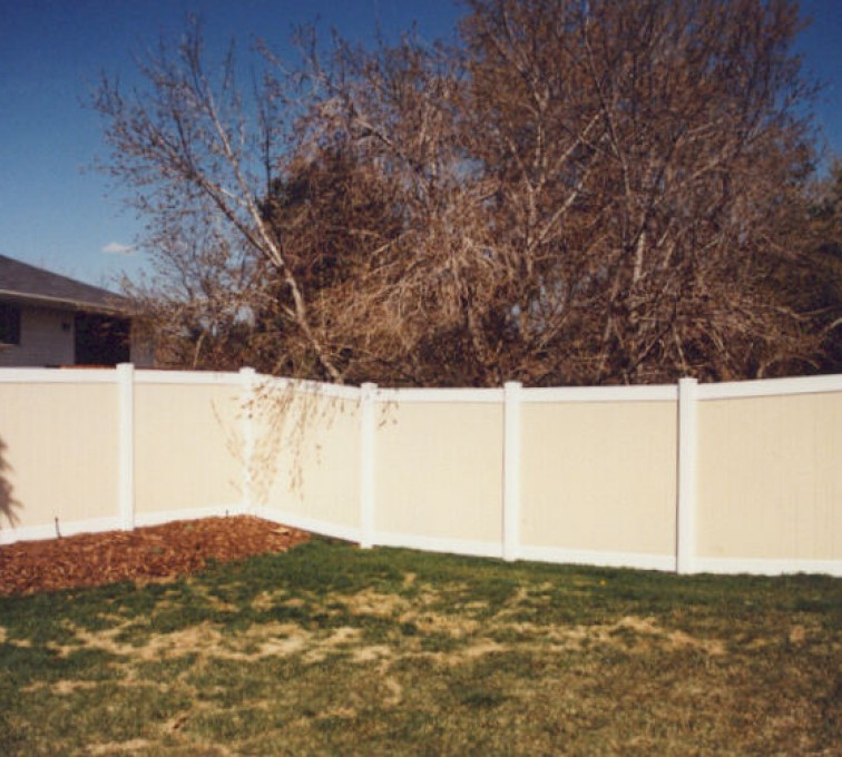 American Fence - Lincoln - Vinyl Fencing, Privacy Tan and White (616)