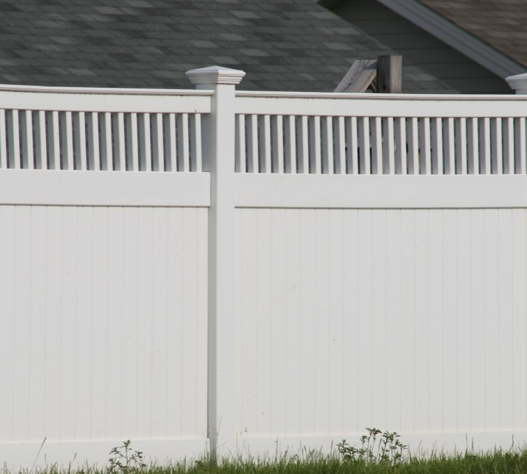 American Fence - Lincoln - Vinyl Fencing, Privacy with Picket Accent 700