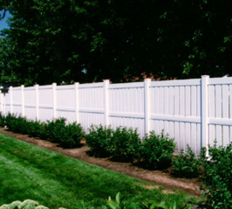 American Fence - Lincoln - Vinyl Fencing, Semi Privacy (826)