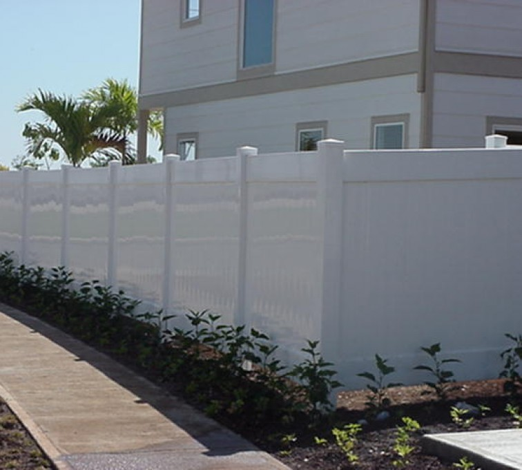 American Fence - Lincoln - Vinyl Fencing, Solid Privacy (610)