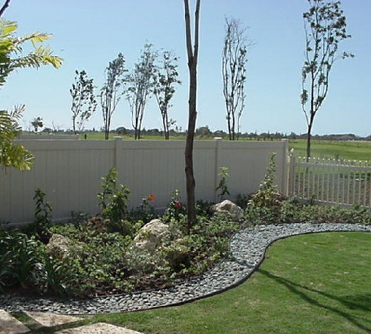 American Fence - Lincoln - Vinyl Fencing, Solid Privacy and Picket (607)