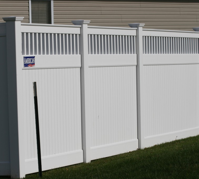American Fence - Lincoln - Vinyl Fencing, 6' Private with Picket Accent
