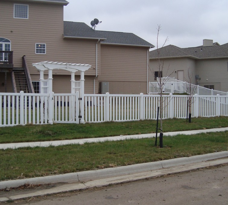 American Fence - Lincoln - Vinyl Fencing, Arbor and Closed Picket AFC, SD