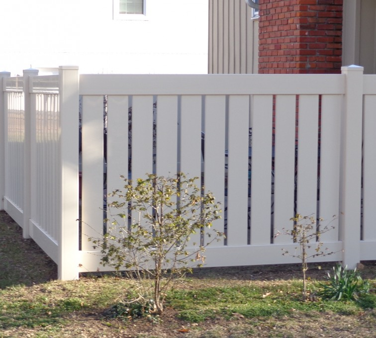 American Fence - Lincoln - Vinyl Fencing, Vinyl Semi-Private - AFC-KC