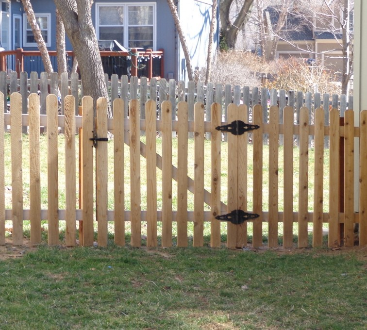 American Fence - Lincoln - Wood Fencing, 4' Picket - AFC-KC